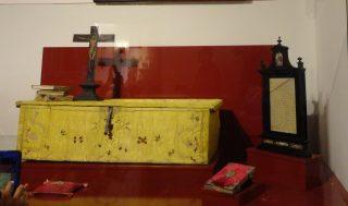 Arqueta donde se sentaba santa Teresa a escribir las Moradas