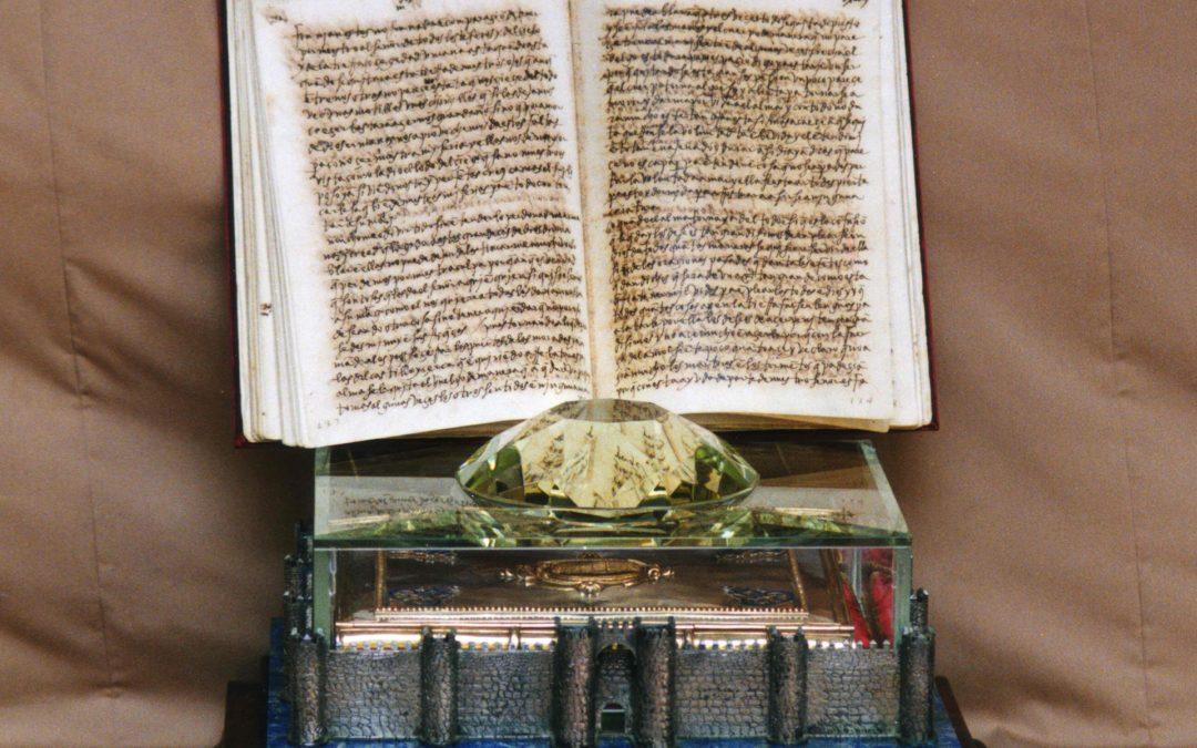 Manuscrito Moradas en su estuche de diamante